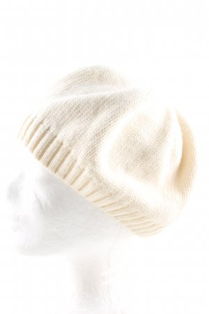 inverni Knitted Hat cream casual look