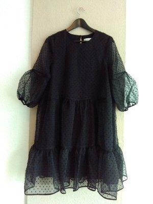 InWear hübsches Plumetis Minikleid in schwarz, Größe S oversize
