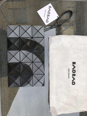 Issey Miyake Clutch schwarz weiß