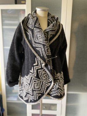 Wełniany sweter czarny-biały