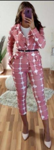 aus Italien Ladies' Suit carmine-russet