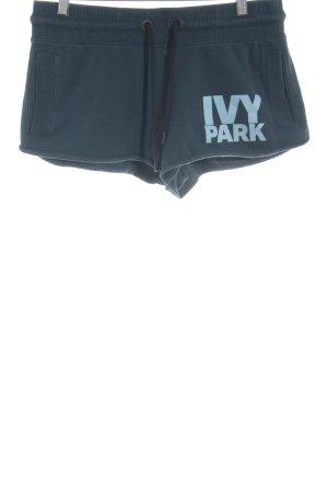 Ivy Park Sportshorts petrol-graugrün Schriftzug gedruckt sportlicher Stil