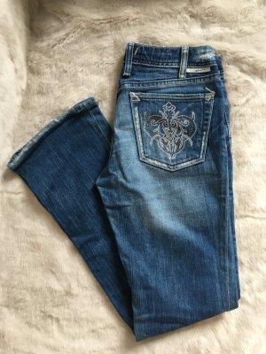 J & C Jeans, mit Applikation, damaged, Gr. 26
