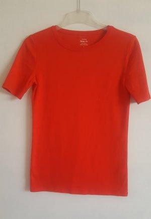 j crew rotes shirt
