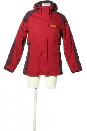 Jack Wolfskin Outdoor Jacket red embroidered lettering casual look