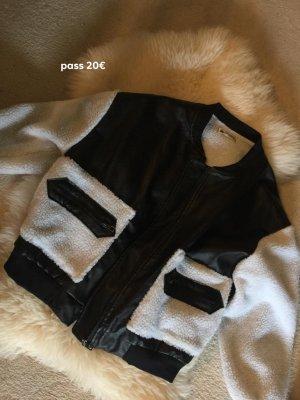 Chaqueta de piel sintética negro-blanco