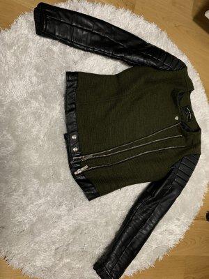Veste en cuir synthétique noir-vert foncé