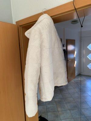 C.A.N.D.A Collection at C & A Veste en fausse fourrure blanc cassé