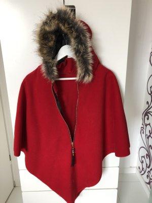 Chaqueta con capucha rojo