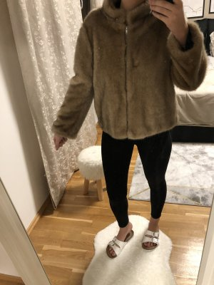 Zara Veste en fausse fourrure beige
