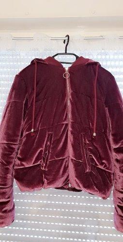New Yorker Chaqueta con capucha violeta amarronado