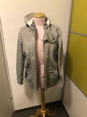Cols de blouses gris clair