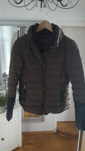 Esprit Kurtka zimowa czarny-khaki