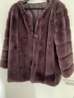 Veste en fourrure violet foncé fourrure