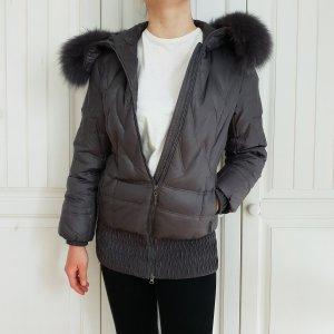Giacca in pelliccia grigio-grigio scuro