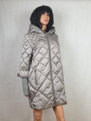 Abrigo de plumón color plata