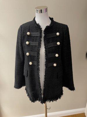 Jacke im Chanel-Stil