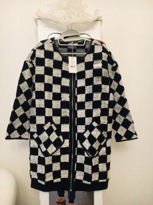 Krótki płaszcz czarny-biały