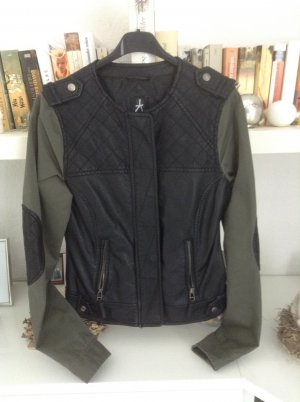 Jacke / Materialmix / Gr. 34 / schwarz-Khaki