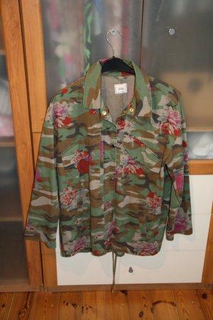 Jacke mit Camouflageprint