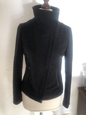 Jacke mit hohem Kragen