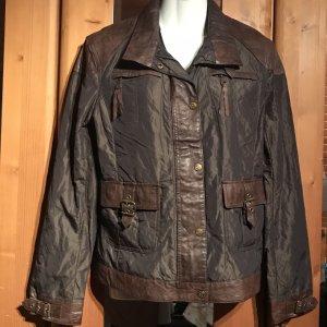 Jacke mit Leder Größe 40