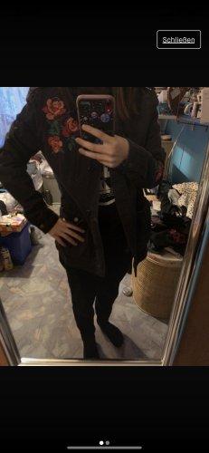 Jacke mit Stickerei
