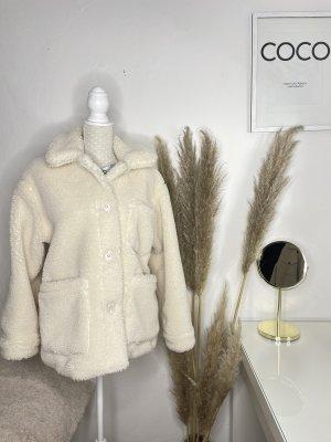 Pull & Bear Futrzana kurtka kremowy