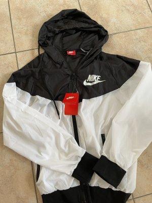 Jacke Nike S/M Kaputzenjacke