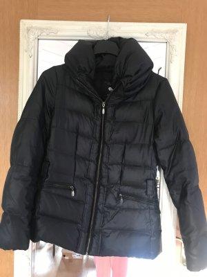 Jacke schwarz Kapuze Daunen