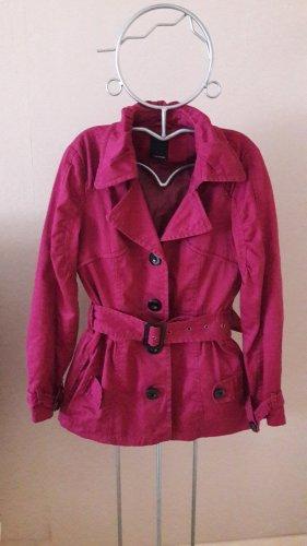 Jacke Übergangsjacke etwas länger, brombeer- oder himbeerfarben von Vero Moda