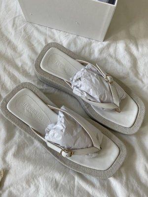 Jacquemus Flip-Flop Sandals white-natural white