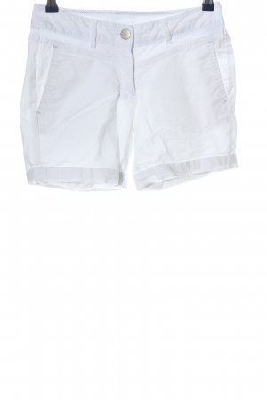 Jean Pascale Pantalón corto blanco look casual