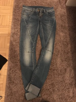 FB Sister Low Rise jeans lichtblauw