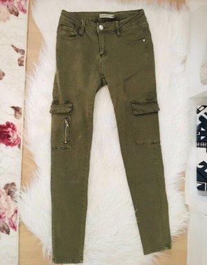 Pantalon fuselé vert olive