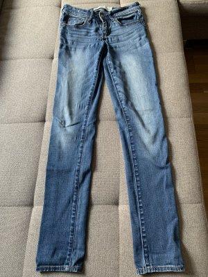 Abercrombie & Fitch Jeans svasati blu fiordaliso