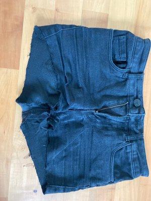 Jeans abgeschnitten zu Shorts