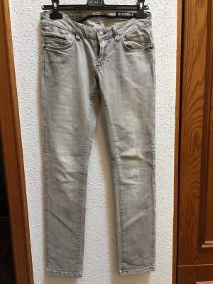 Reell Jeans a sigaretta grigio chiaro