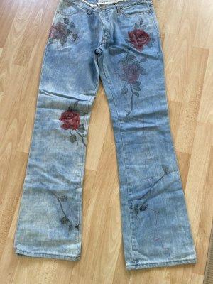 Jeans bedruckt+ bestickt von Jet Set