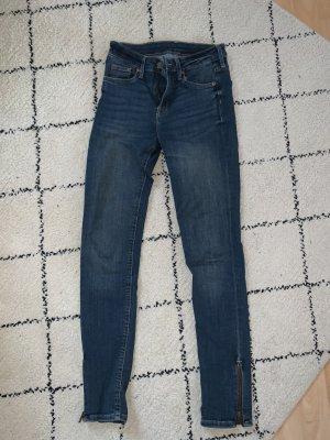 Jeans dunkelblau mit Reißverschlussdetails