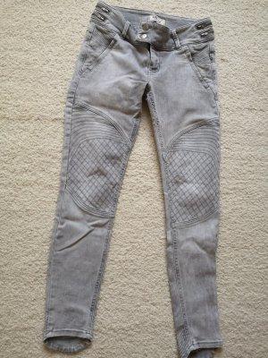 Jeans - Grau mit application