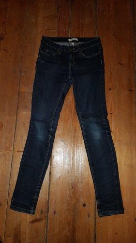 Jeans Größe 27