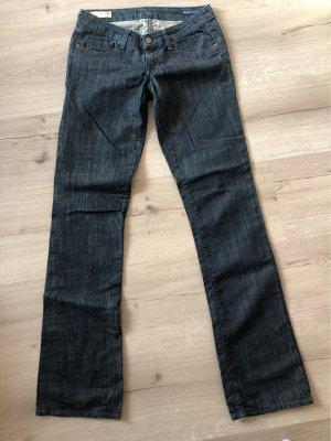 Jeans Größe 28