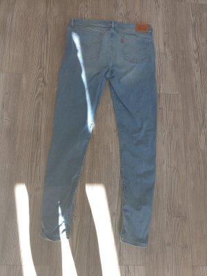 Jeans hellblau in Jeansgröße 32  Levis