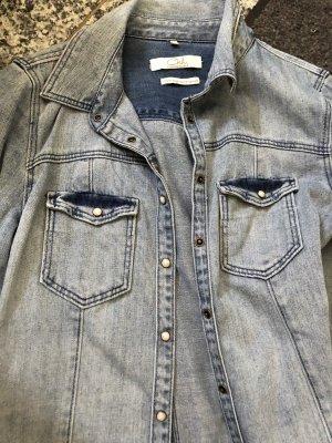 Blouse en jean bleu clair