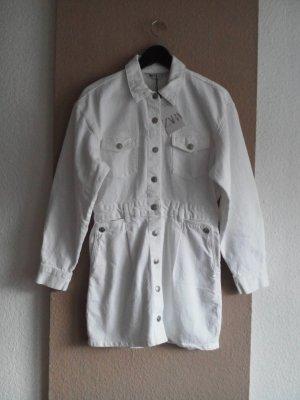 Jeans-Hemdblusenkleid in weiss, Grösse L, neu