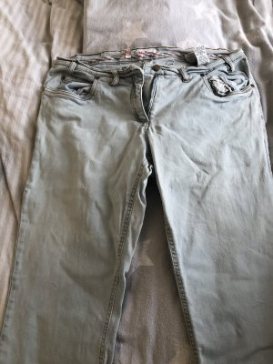 Jeans svasati azzurro