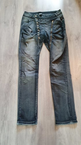 Jeans im Boyfriend-Style mit Knopfleiste