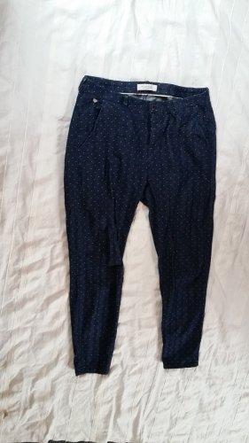 Jeans im Chino-Style mit gestickten Punkten