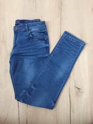 Jeans in der Größe L